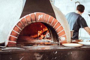 choisir son four à pizza extérieur